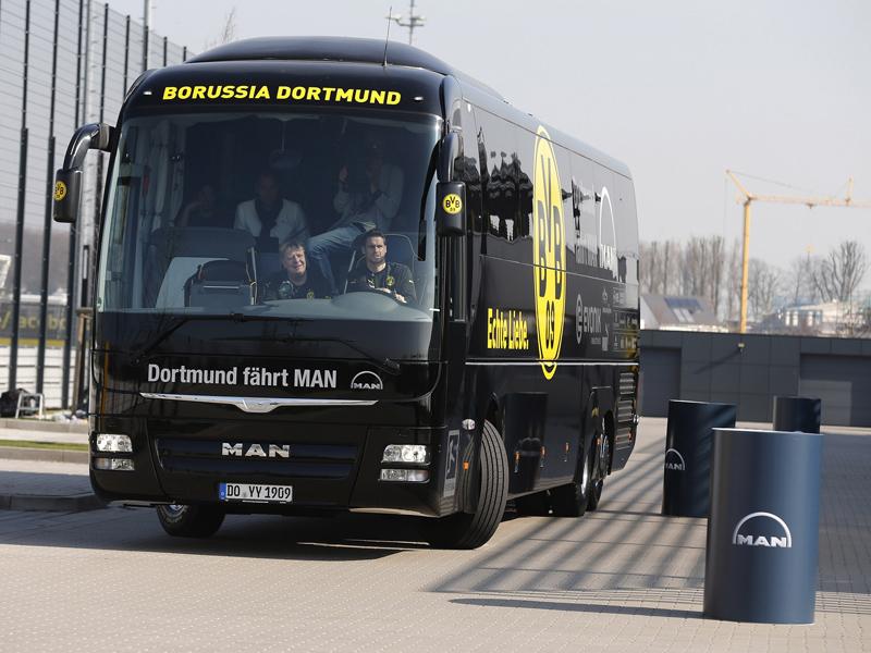 BVB-Mannschaftsbus †bergabe